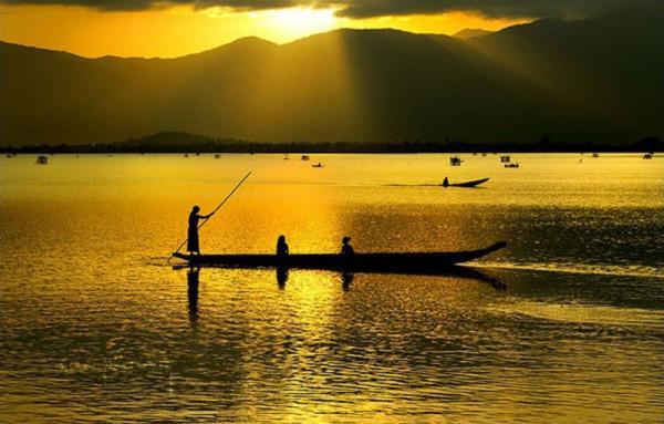 Hồ Lăk1