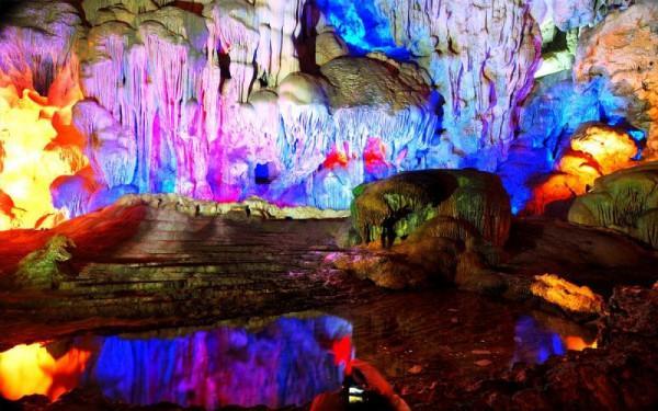 Leo núi và khám phá hang động1