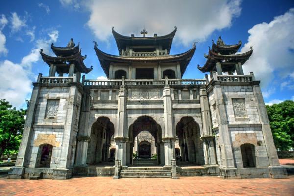 Nhà thờ đá Phát Diệm1