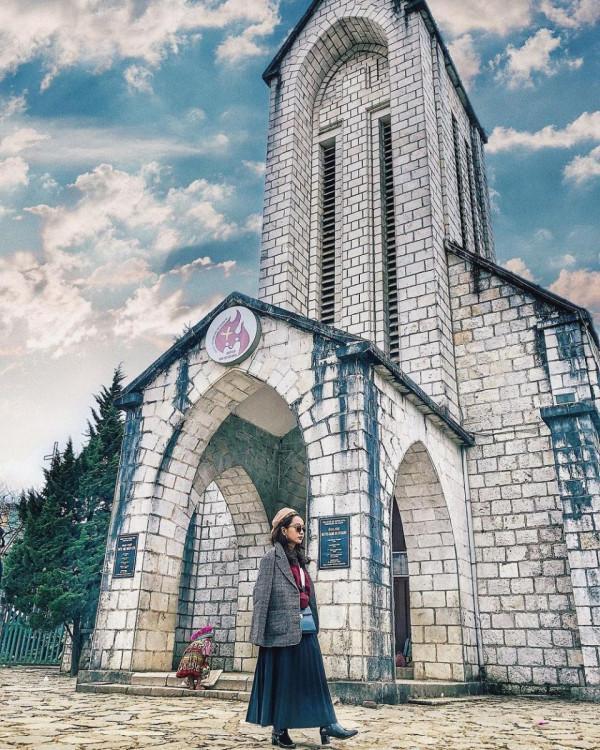 Nhà thờ đá Sapa1