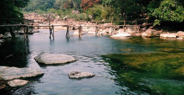 Suối Nước Moọc3