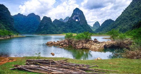Thung lũng Núi Thủng Nà Ma1