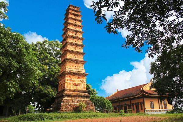 Tháp Bình Sơn – chùa Vĩnh Khánh