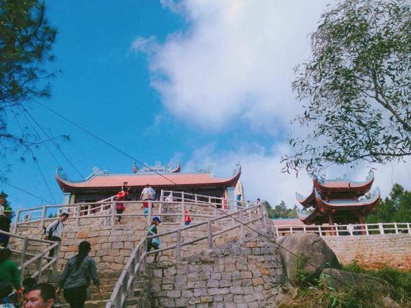 Chùa Hương Tích1