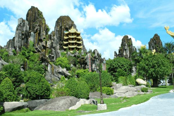 Vé máy bay giới thiệu những điểm đến hấp dẫn ở Đà Nẵng