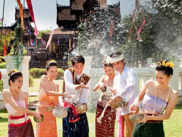 Vé máy bay giá rẻ du lịch thái lan tham gia lễ hội té nước
