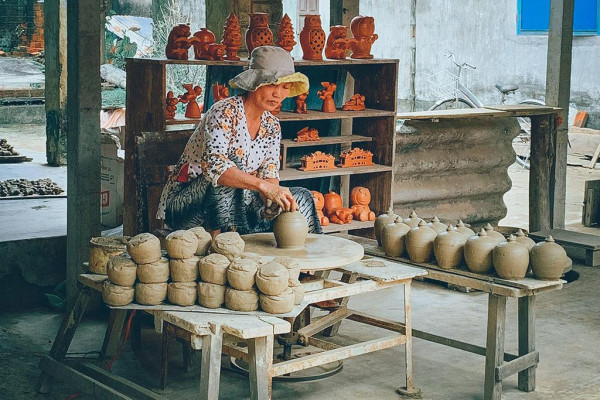camnhi-190214100209-lang-gom-thanh-ha