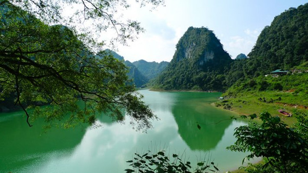 hồ Thang Hen 2