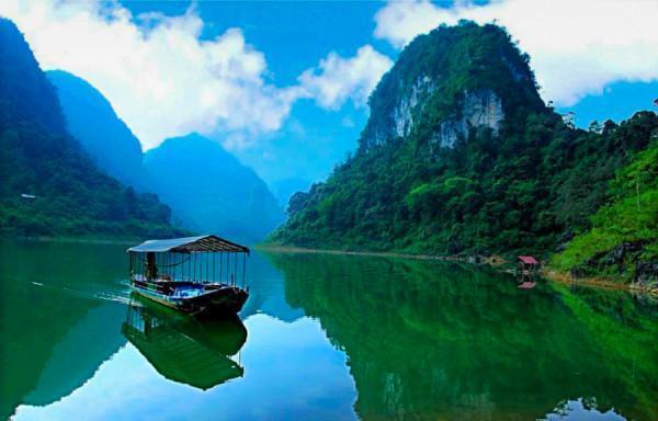 hồ Thang Hen 4