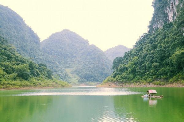 hồ Thang Hen 8