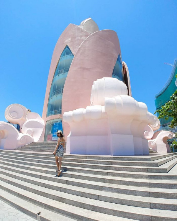 Săn vé 36k khám phá biểu tượng Thành phố biển Nha Trang