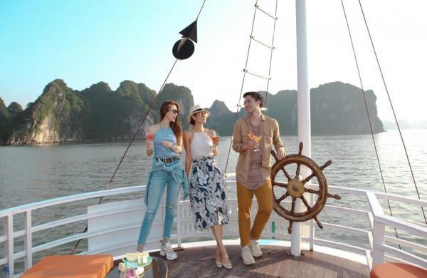 Du lịch Hạ Long thăm đảo Tuần Châu quyến rũ