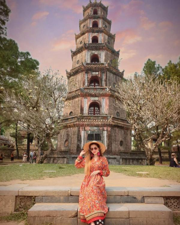 72297-thoi-diem-ly-tuong-den-chua-thien-mu-hue-700x875-1613